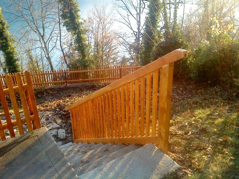 Zaun von Aussenholzbau